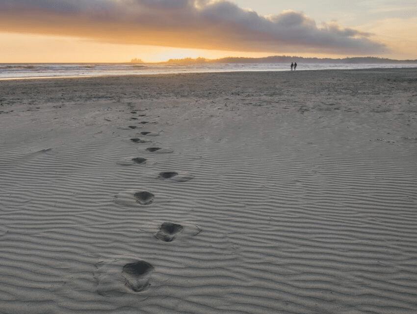 Ravlygter oplyser strandene